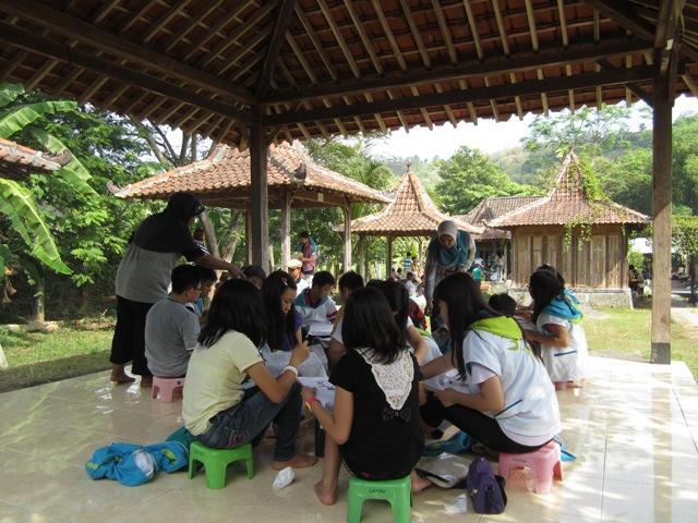 paket wisata belajar batik