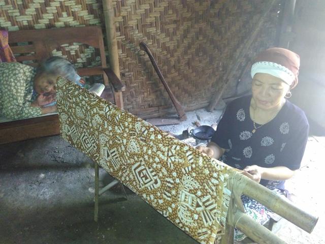 Batik Giriloyo Bu Almi